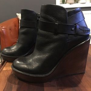 women's size 7 black leather wedge bootie